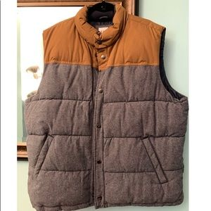 Gap color block puffer vest